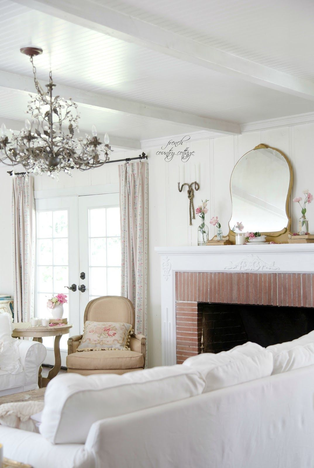 19 Shabby Chic Living Room Ideas That Will Totally Melt Your Heart ...