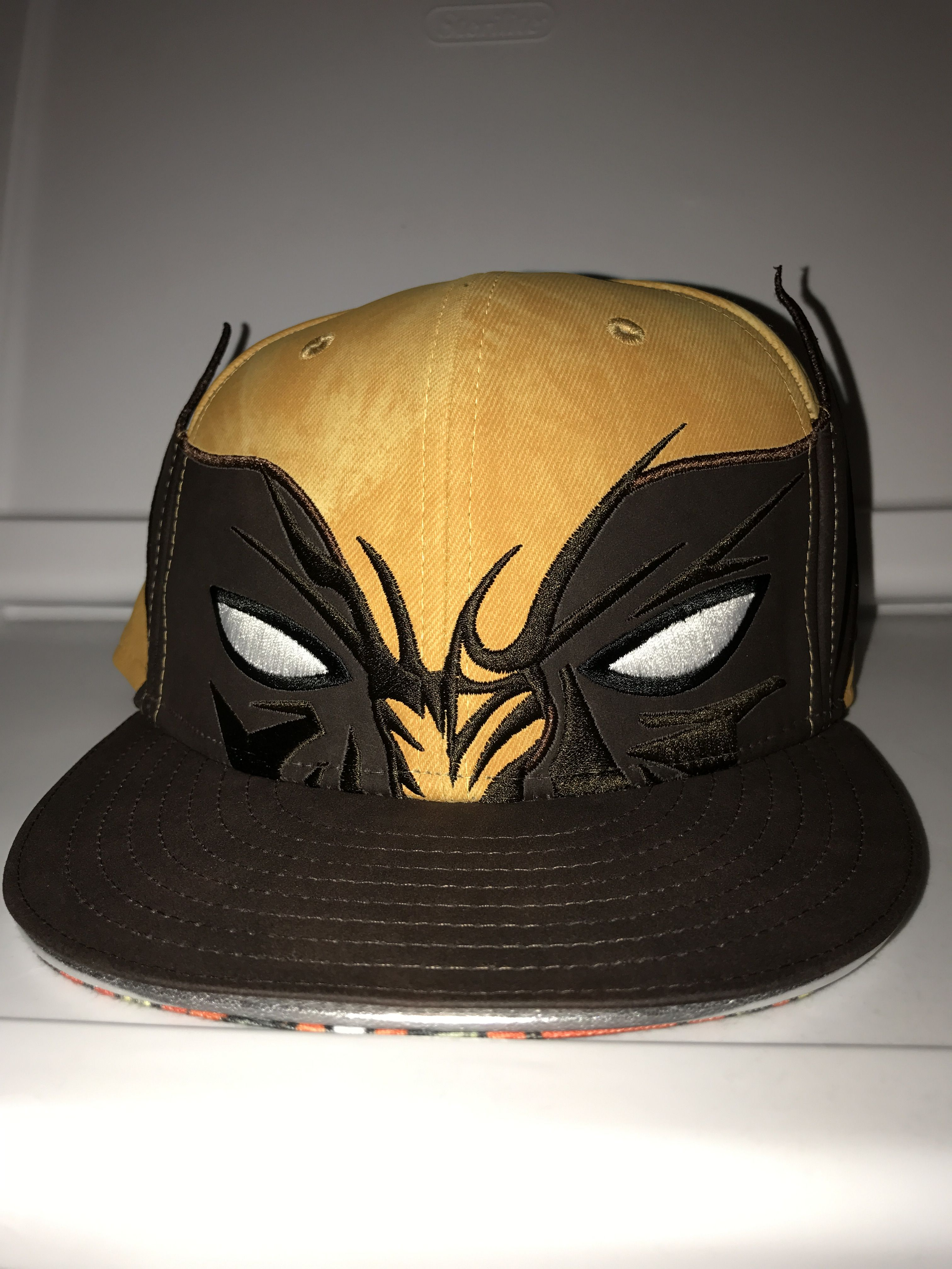 New Era Marvel Wolverine Big Face Fitted Exclusive Of Superhero Stuff Com Gorras Calzas Accesorios