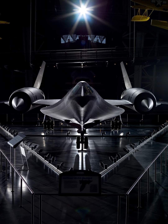 Phantom Phanatic — aviationblogs Amazing pic of SR71