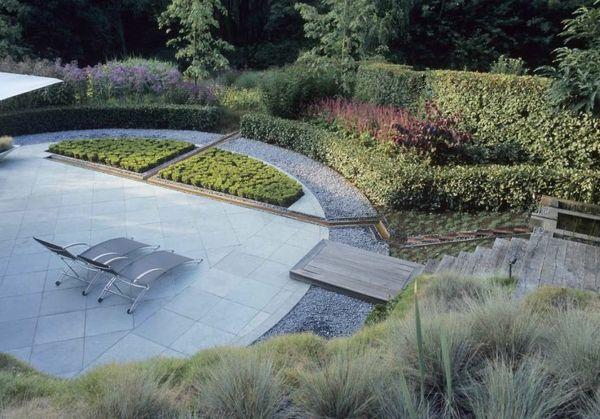 Moderne Gartengestaltung Beispiele Steinboden Liegen Pflanzen
