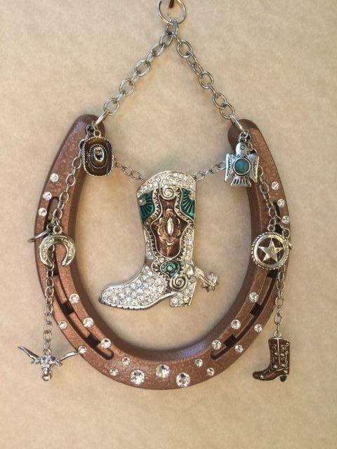 Diy horseshoe craft project ideas horseshoe art for Horseshoe arts and crafts