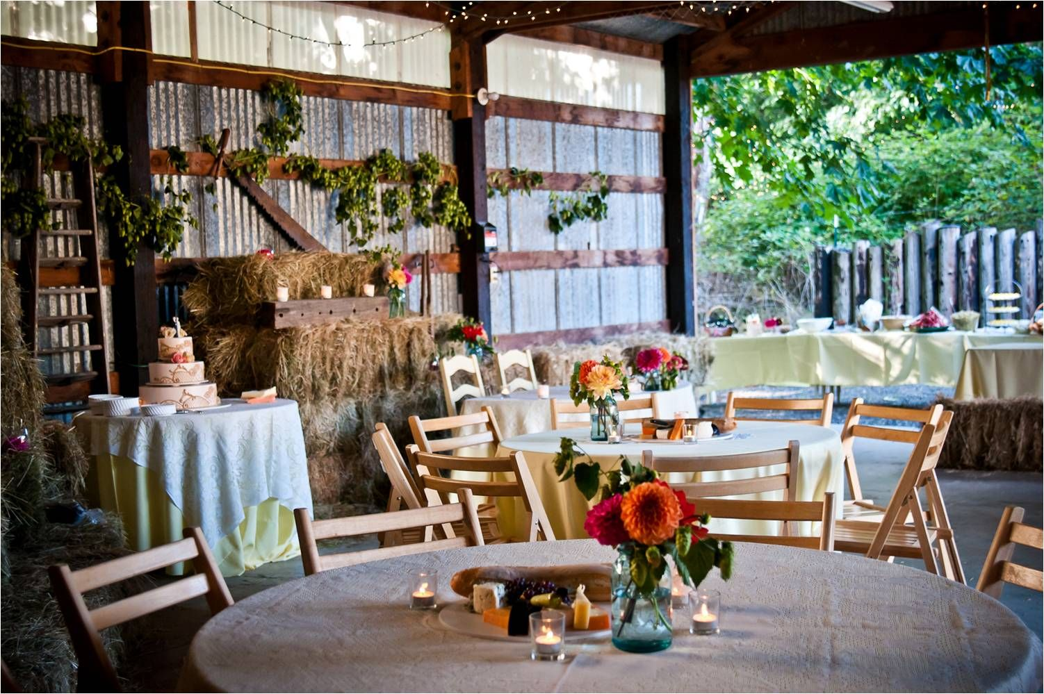 Rustic Chic With A Vintage Vibe Wedding Reception Venue This Is Very Close To The Look I M Going For When It Comes My
