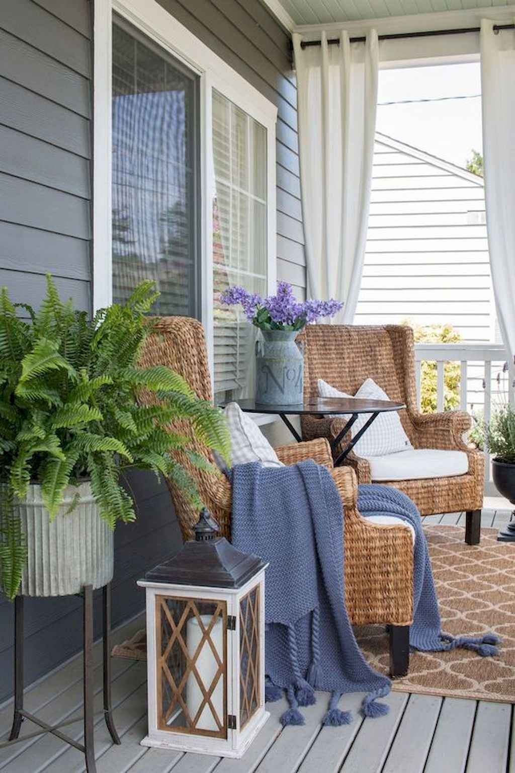 65 Gorgeous Spring Front Porch Decorating Ideas #smallporchdecorating