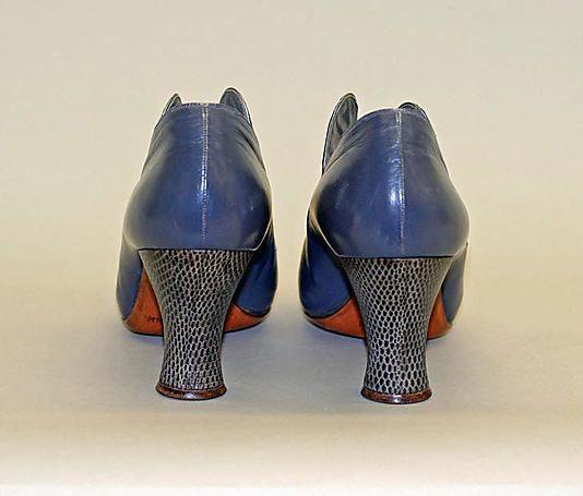 Pin by Marjolaine Aurélie on Vintage Shoes 20 s  2710e1d29