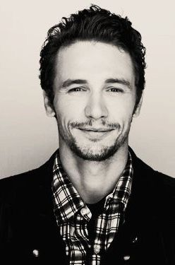 James Franco - you have one of the most genuine smiles that melts hearts <3
