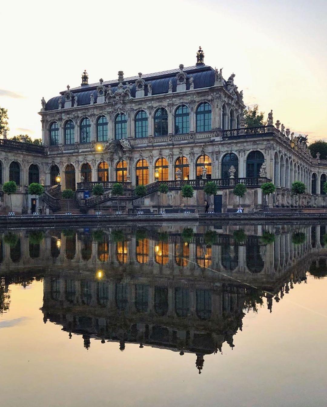 The Best Of Dresden V Instagram Present Bild Des Tages Photo By Jaroslaw Marciuk Location Zwinger Dr Places Around The World Around The Worlds World