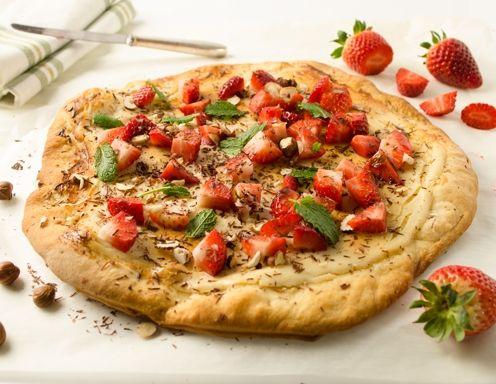 Susse Pizza Mit Ricotta Und Erdbeeren Rezept Om Nom Pinterest Om
