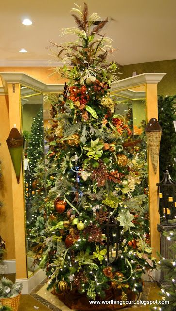 How To Step-By-Step Designer\u0027s Christmas Tree Decorating Uh