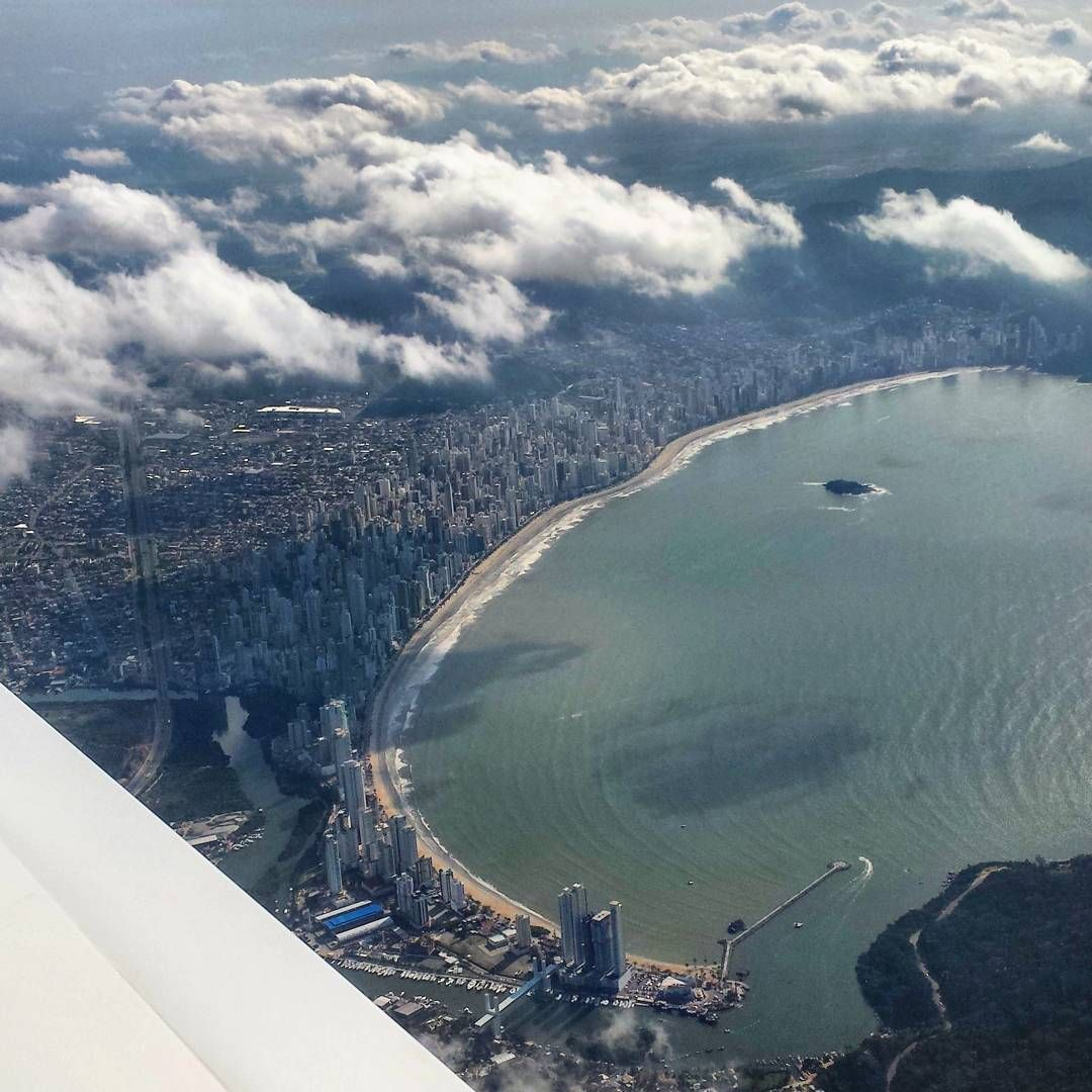 De Dentro Do Aviao Cidades Do Brasil Balneario Camboriu Santa