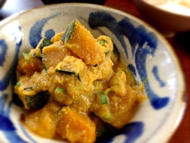 豆渣炖南瓜 ( ›◡ु‹ ) 食べやすいおから料理を探し中。これは豆乳も加えてあってジューシーで美味しかったです。 - 20件のもぐもぐ - カボチャのおから煮 by machimachicco