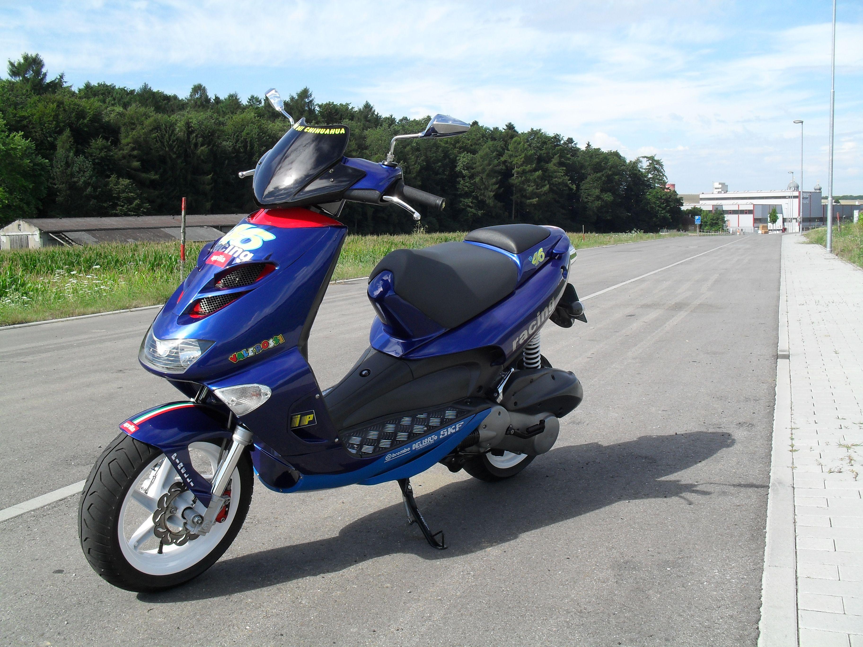 """Aprilia SR125 """"Valerossi Edition"""" Maxiscooter / Scooter"""