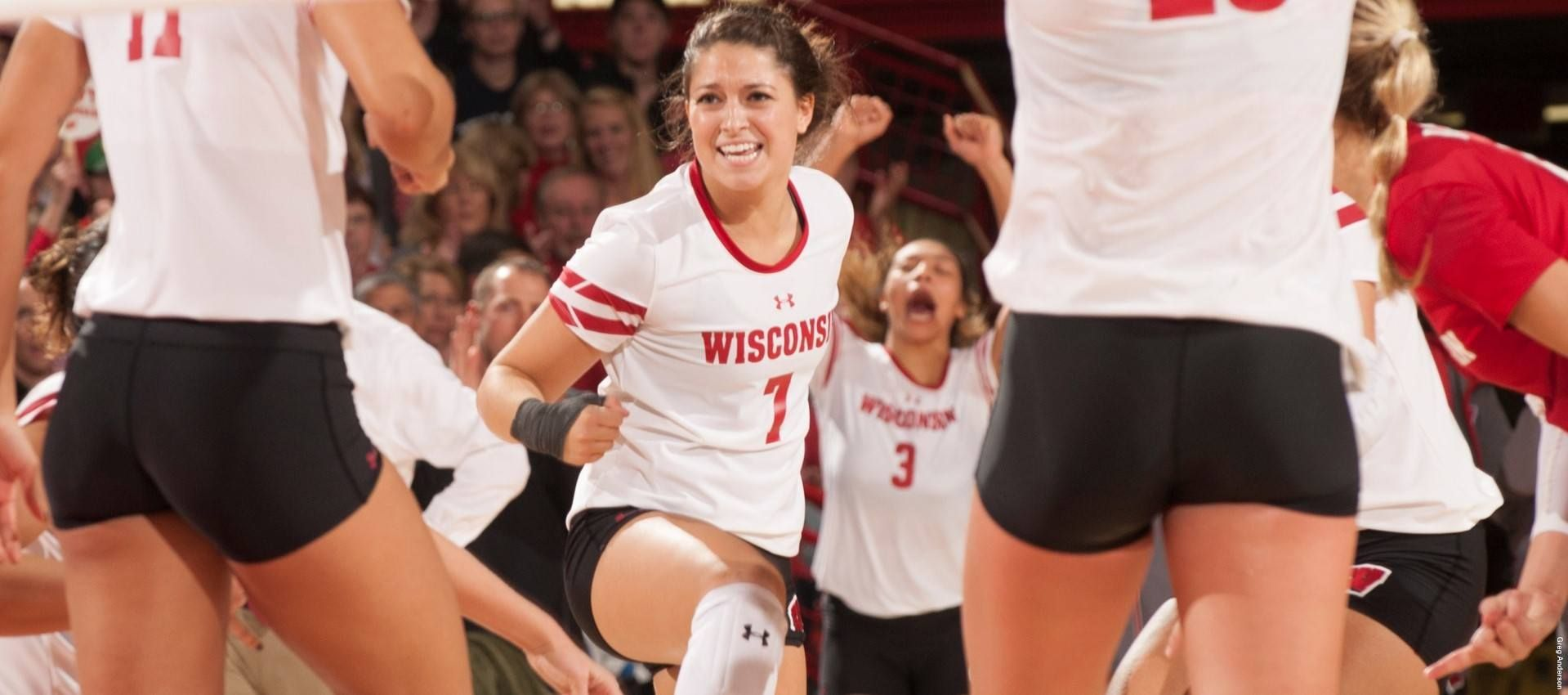 Wisconsin Unanimously Votes Amber Macdonald As Team Captain Volleyball News Teams Captain