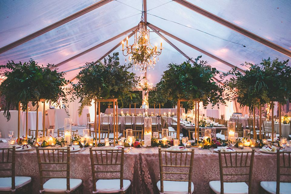 Clear Top Tent At Thomas Bennett House Luxe Linens Tall Greenery Centerpieces And Can Thomas Bennett House Wedding Thomas Bennett House Greenery Centerpiece