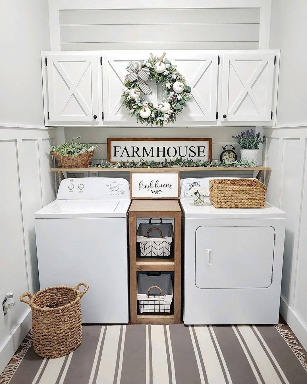 Farmhouse Fanatics On Instagram Do You Prefer A Clean White Kitchen Or A Rustic Kitchen Like T Rustic Farmhouse Kitchen Unique Bathroom Decor Rustic Kitchen