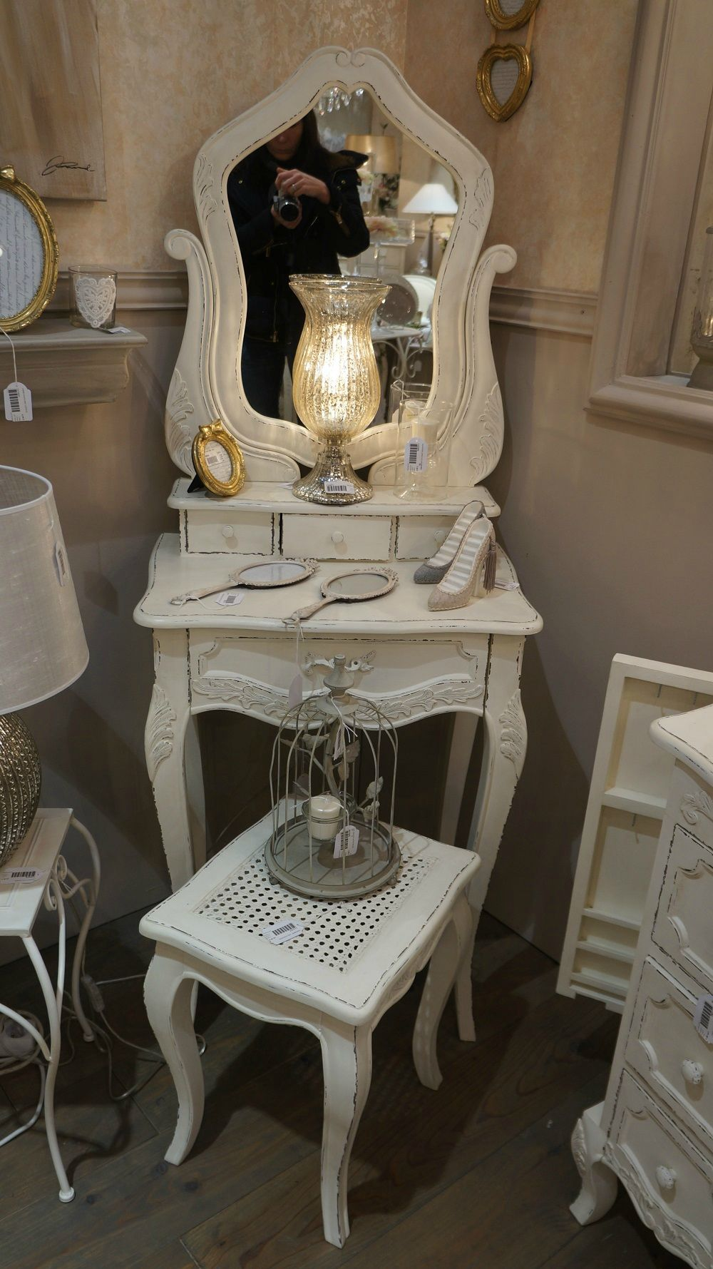 coiffeuse blanche romantique coiffeuse pinterest coiffeuse blanche coiffeur et romantique. Black Bedroom Furniture Sets. Home Design Ideas
