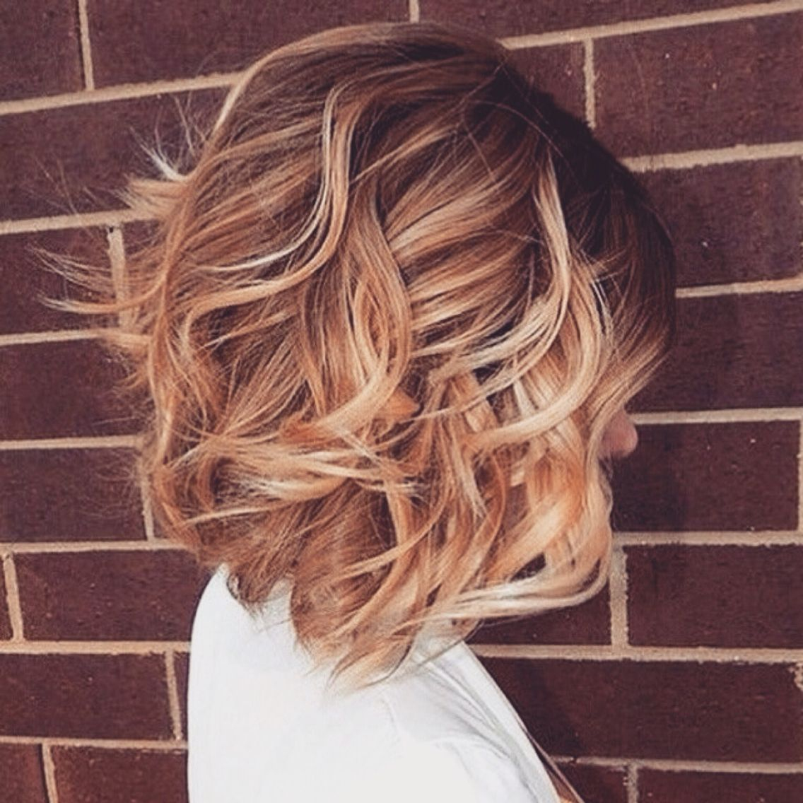 Cute Bob Waveseasy For A On The Go For Those Who Don T Want To Spend Hours On Their Hairtip Works Better If You H Hair Styles Wavy Bob Haircuts Bob Hair