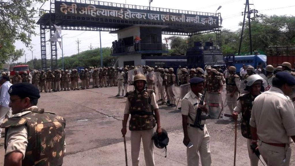 Image copyright                  S Niyazi             Image caption                                      Farmers have held protest rallies in different parts of the state                               At least five farmers are dead after shots were fired during a protest in... - #Die, #Farmers, #India, #Protest, #Rally, #Shooting, #World_News