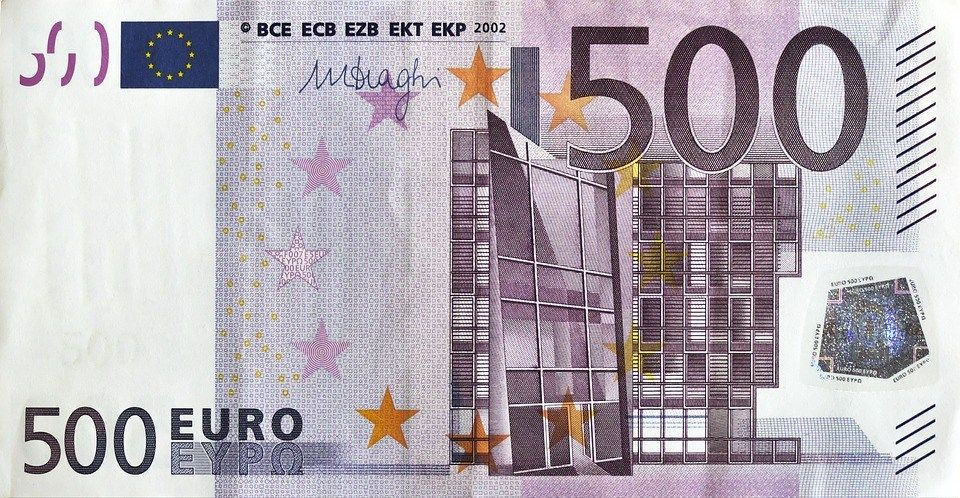 Tremendous Posing As A Woman Romanian Youth Exchanges Fake Euros With Real Wiring Digital Resources Sulfshebarightsorg