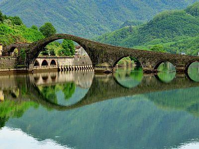 Puente del Diablo  Lucca Italia
