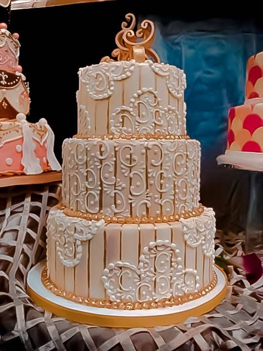 Fancy Chef Alison Friedman Liberty Baking Co Fairfax Va Http Headswedding Cakeslibertybakingparty