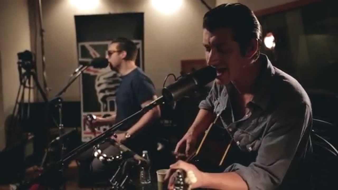 Arctic Monkeys - Do I Wanna Know? (acoustic) - FM 94/9