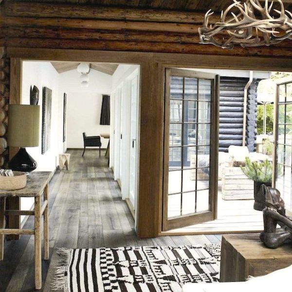 Modern rustic monochromatic decor rustic chic and interiors for Log cabin interiors modern