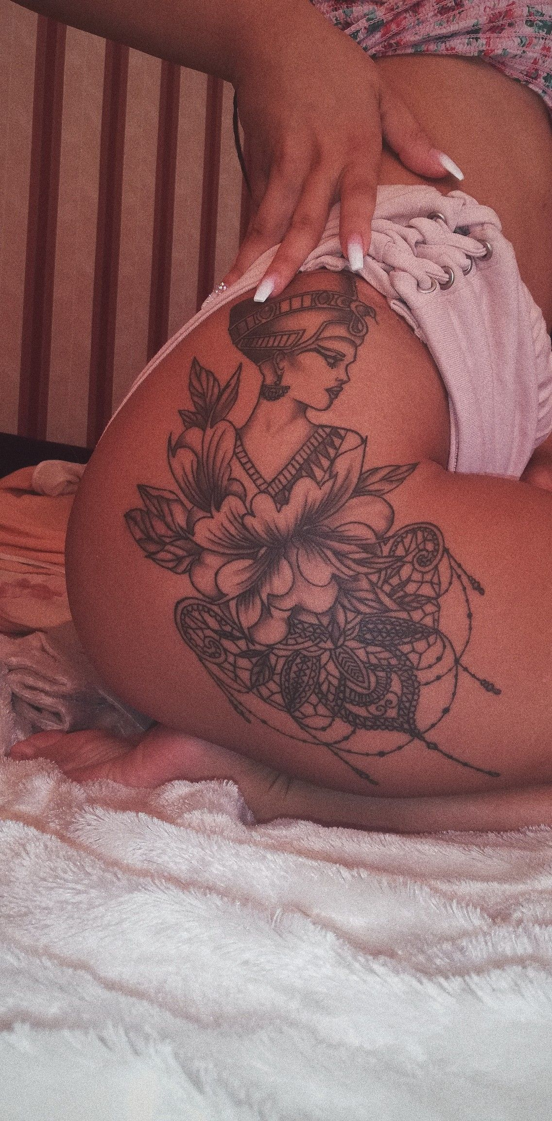 Nefertiti nails tattoo hip lotos mandala lotus flower nefertiti nails tattoo hip lotos mandala lotus flower izmirmasajfo