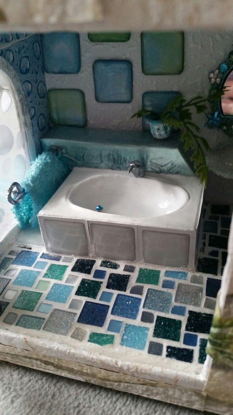 Puppenhaus: #Badezimmer, #Badewanne mit #Handtuch (gefärbtes ...