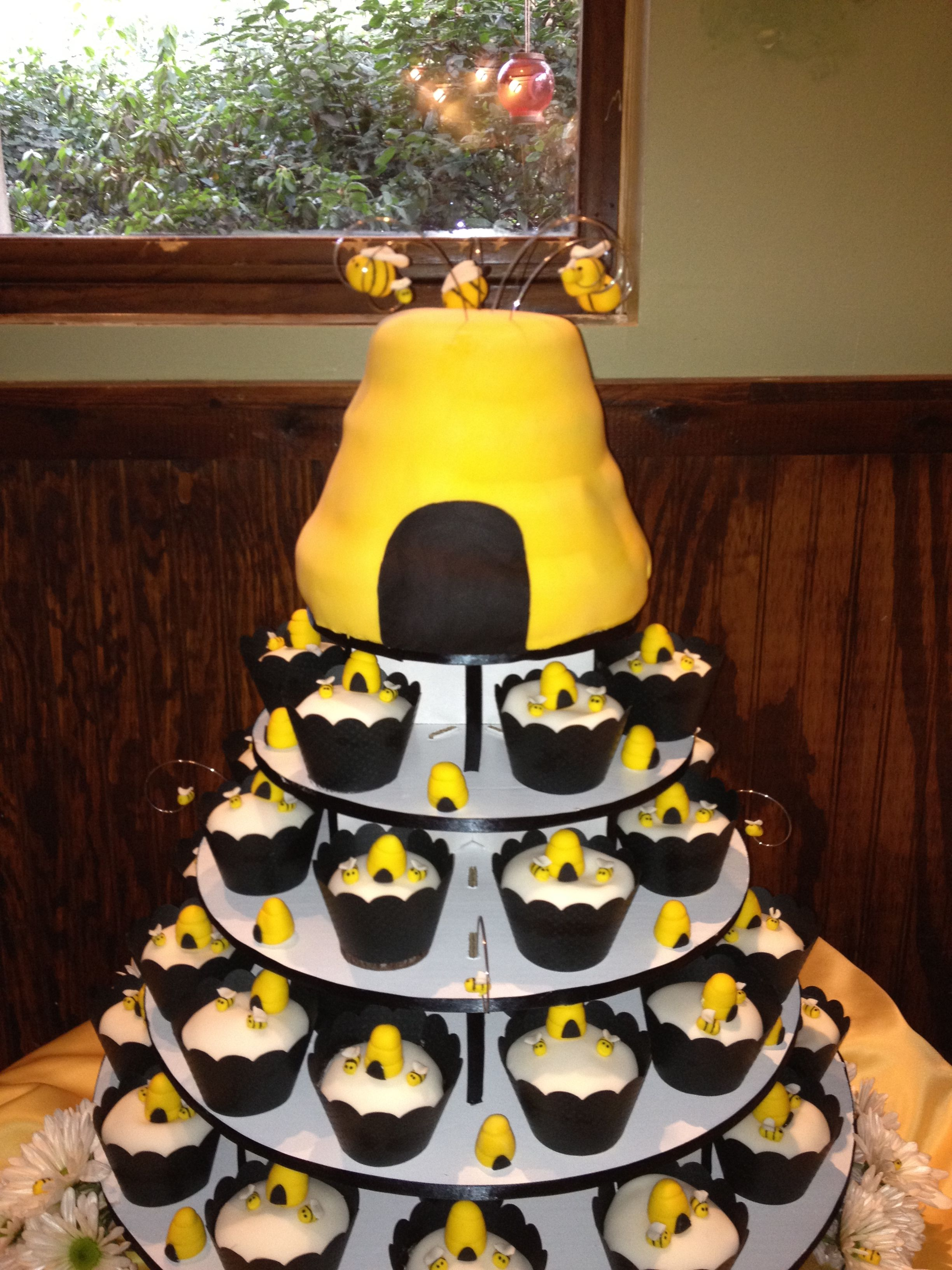 Baby Shower Cakes Bee themed baby shower cakes