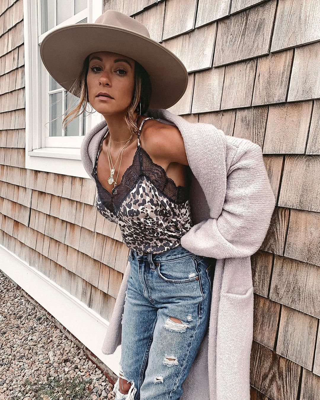 Rachael Miami Style Blog On Instagram Twas By Far One Of My Fave Outfits From Cape Cod Y All Please Trust And Believe Me When I Say You Need This Sweate