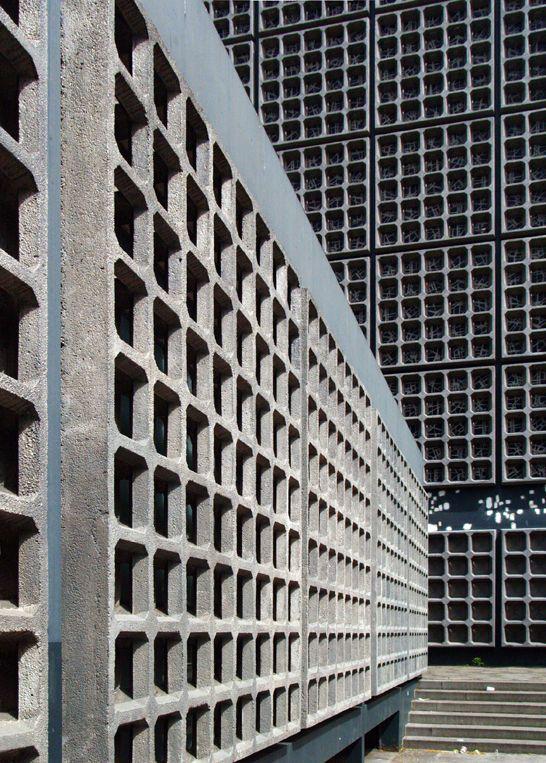 Gedachtnis Kirche By Egon Eiermann 1957 1963 Berlin Concrete Architecture Brutalist Architecture Architecture Details