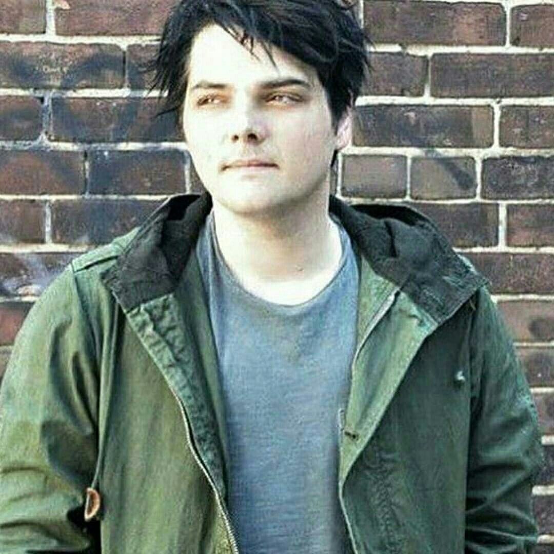 Pin by sad bear on gerard way pinterest emo bands and romance
