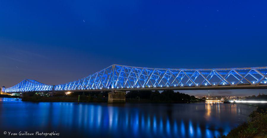 Le bleu du Pont d'Eauplet - Rouen - pont ferroviaire