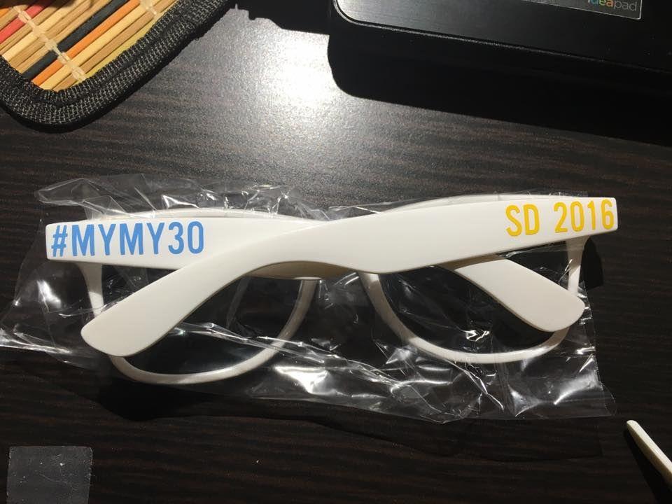0854532b90 ADULT Personalized Sunglasses