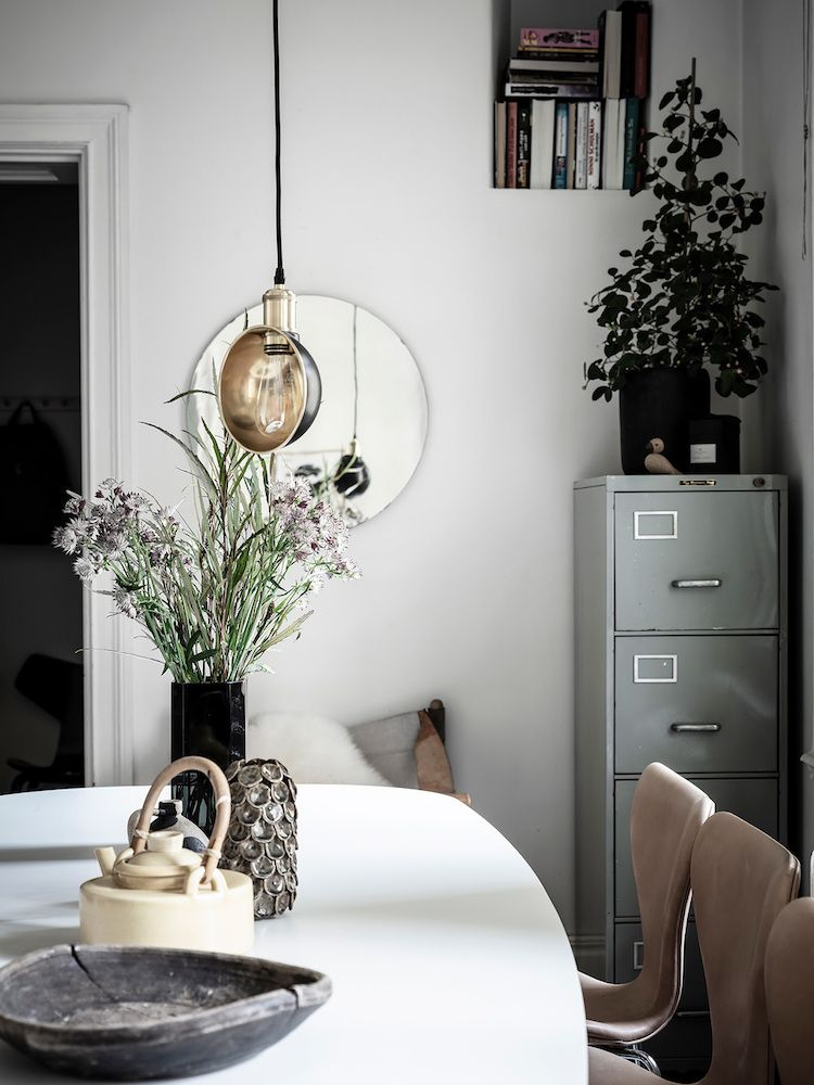 Déco Pinterest Dining, Metal lockers and Interiors