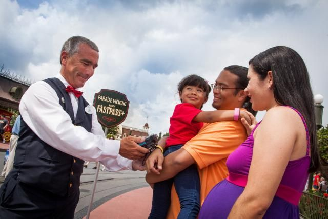Planning a trip to Disney World? Here's what you need to know about MagicBands and the new My Disney Experience planning system.