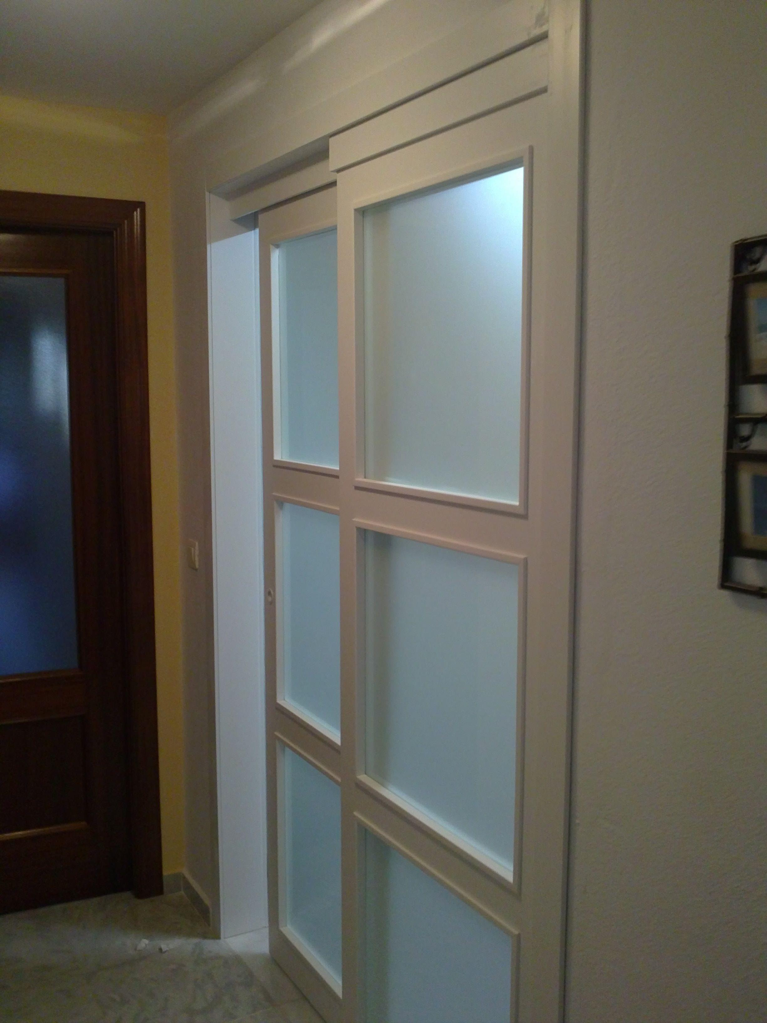 Puertas con vidrieras especiales corredera sobre fijo - Puertas correderas de cristal y madera ...