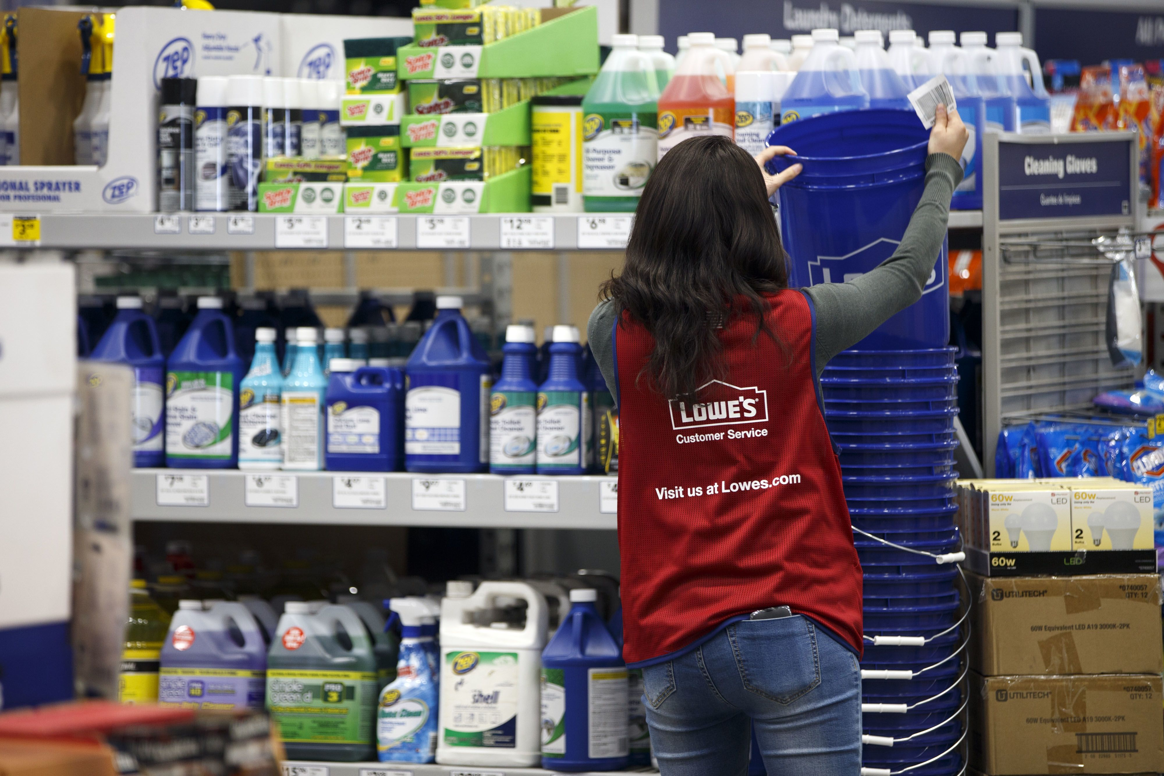 Home improvement retailer lowes has told thousands of