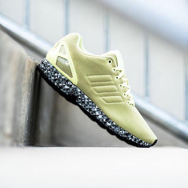 the best attitude 564bd 60c85 adidas Originals ZX Flux  Frost Yellow
