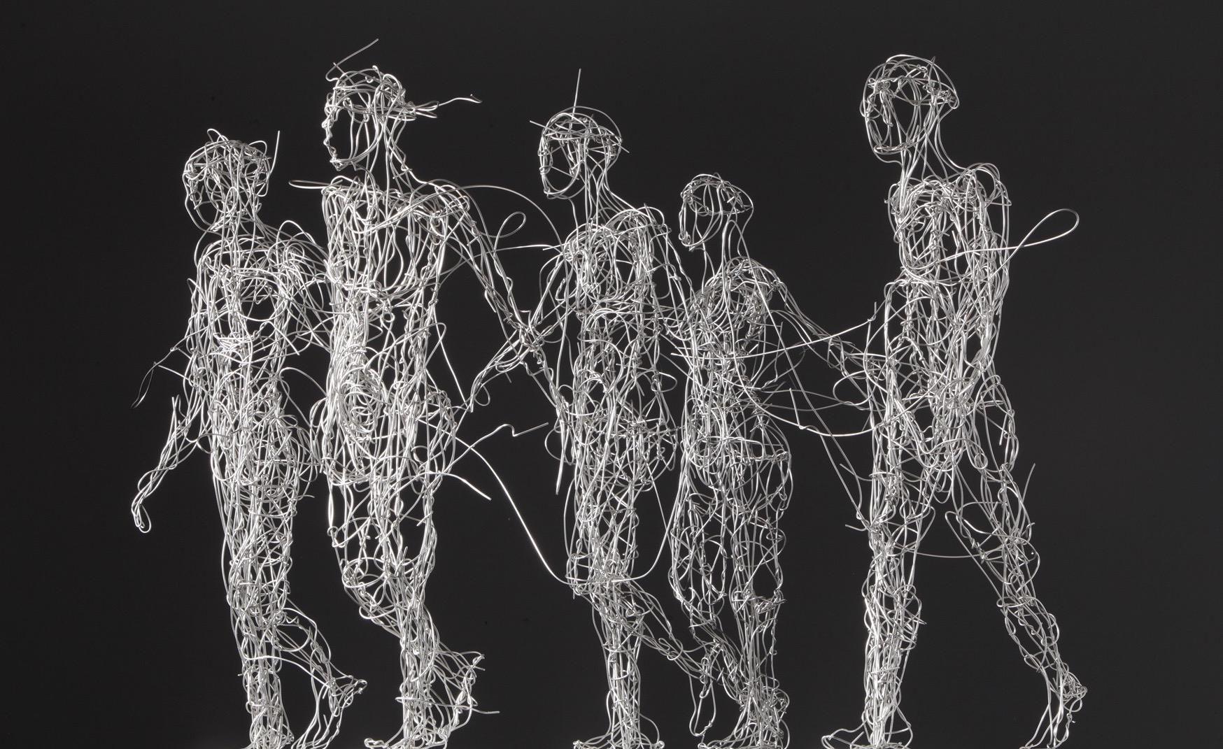 DrahtskulpturMenschenb Artwork by Stefanie Welk StefanieWelk