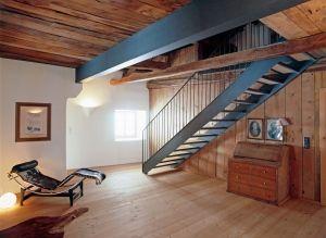 Stahlträger Mit Holz Verkleiden moderne bauweise in alter scheune ein stahlträger musste eingezogen