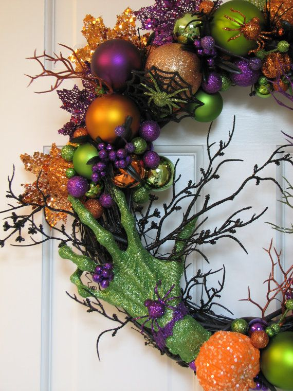 The Green Witch Hand - Spooky Halloween Wreath, Spooky Wreath, Scary - scary door decorations for halloween