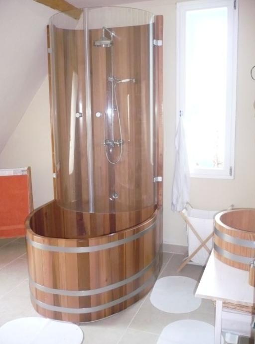 Kombination Duschkabine Badewanne, Dusch-Badewanne ...