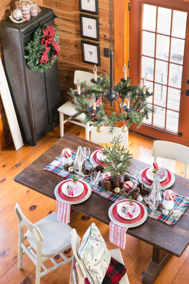 Christmas Dining Room  Red Gingham Deer Antlers And Pinecone Beauteous Christmas Dining Room Design Inspiration