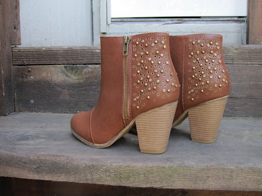 From denim shorts to sundresses, these studded booties $55 will pair well w/ all your summer staples. |Pinned from PinTo for iPad|