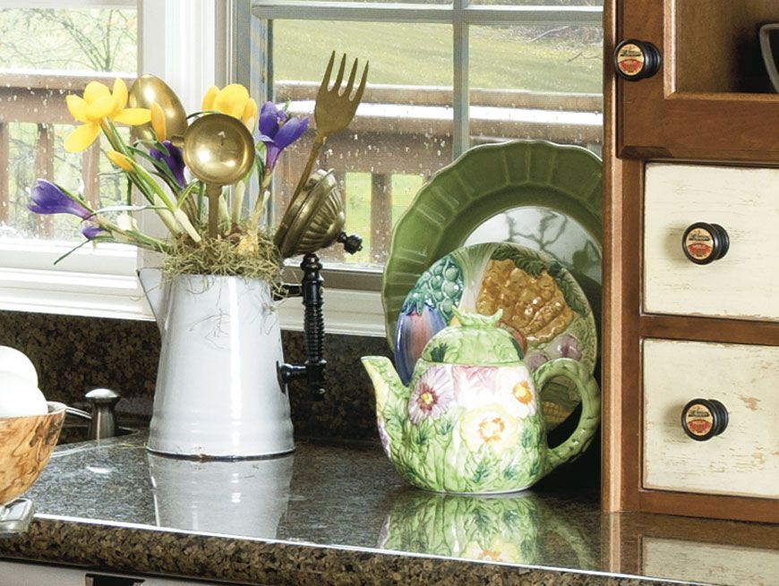 Add a little shimmer and shine to a floral arrangement in for Kitchen arrangements photos