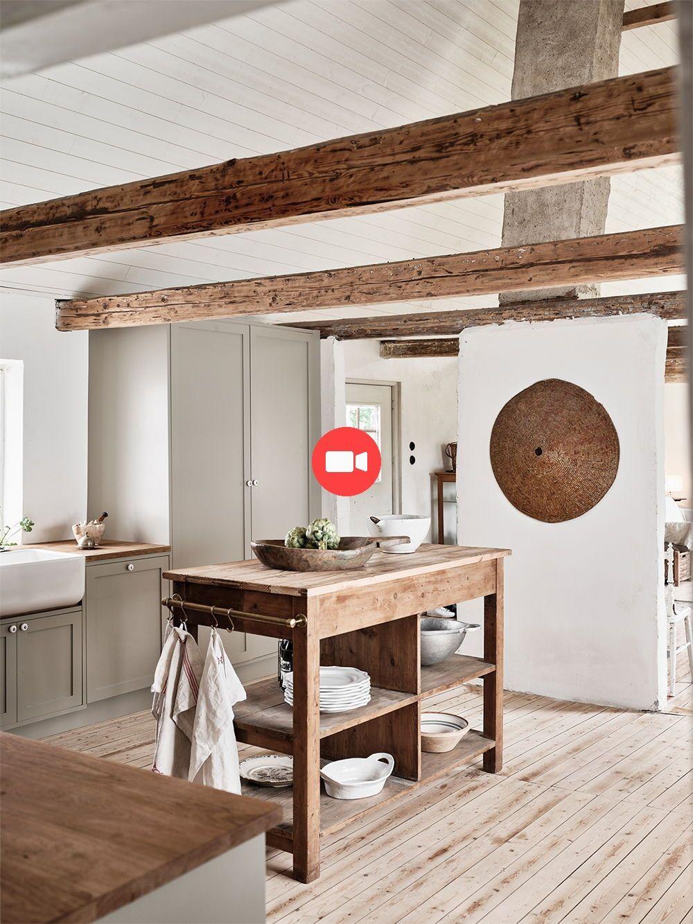 Nordiska Kk Cuisine De Ferme Pour Ellen Dixdotter Sur Sterlen Le Cœur De La Maison Est Le S Cuisines De Ferme Modernes Interieur De Cuisine Cuisine Nordique