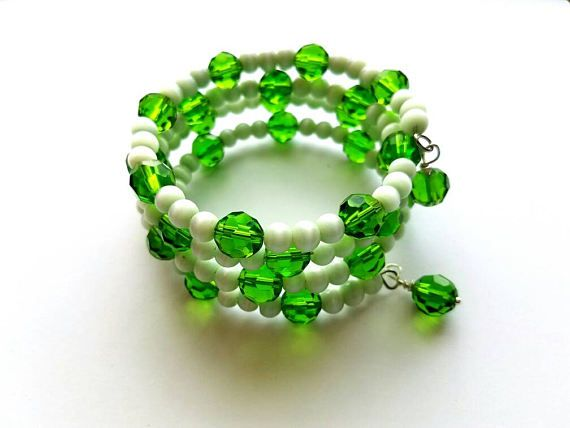 Hey, I found this really awesome Etsy listing at https://www.etsy.com/listing/484654971/memory-wire-bracelet-with-green-crystal