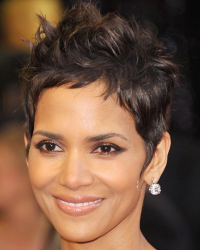 Halle Berry Frisur Păr Scurt Pinterest Halle Berry And Pixies