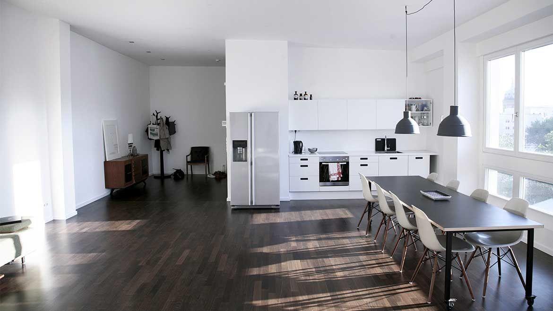 luxus loft berlin wohn design. Black Bedroom Furniture Sets. Home Design Ideas